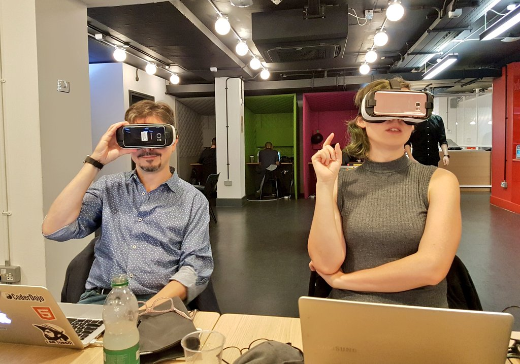 Ada and Daniel wearing VR headsets.